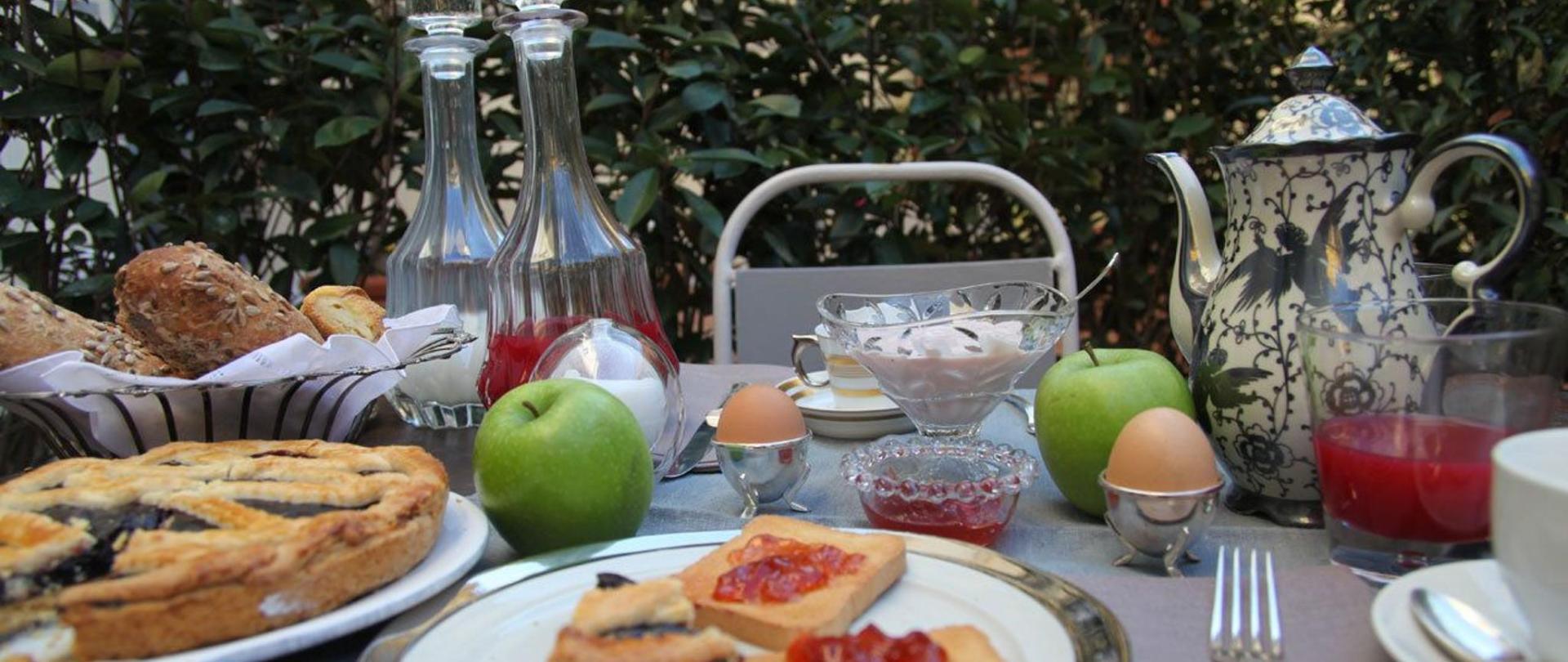 colazione-esterno.jpg