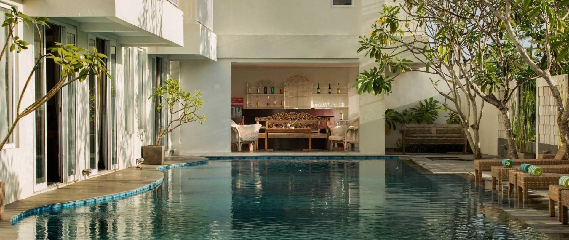 pool-bar-2.jpg