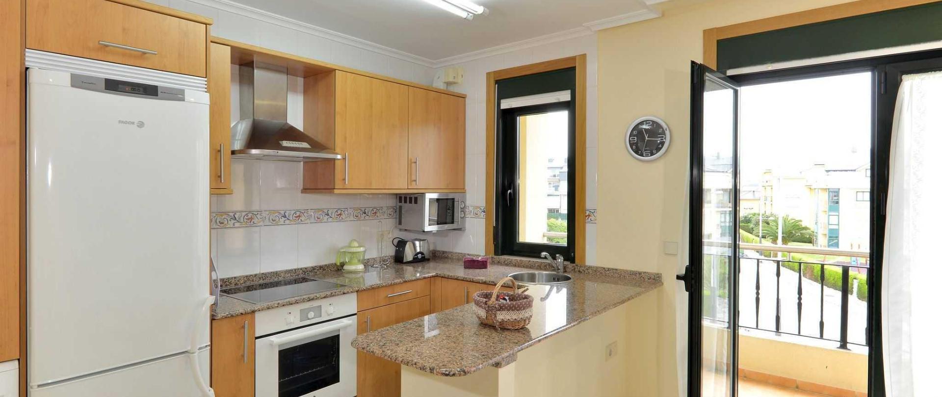 cocina-duplex-apartamentos-a-mari-a-anxo-rial-20-1.JPG