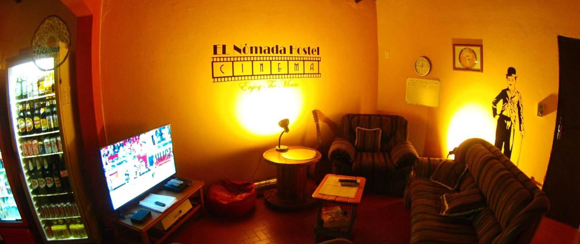 sala-de-television-hostel-nomada-asuncion.JPG