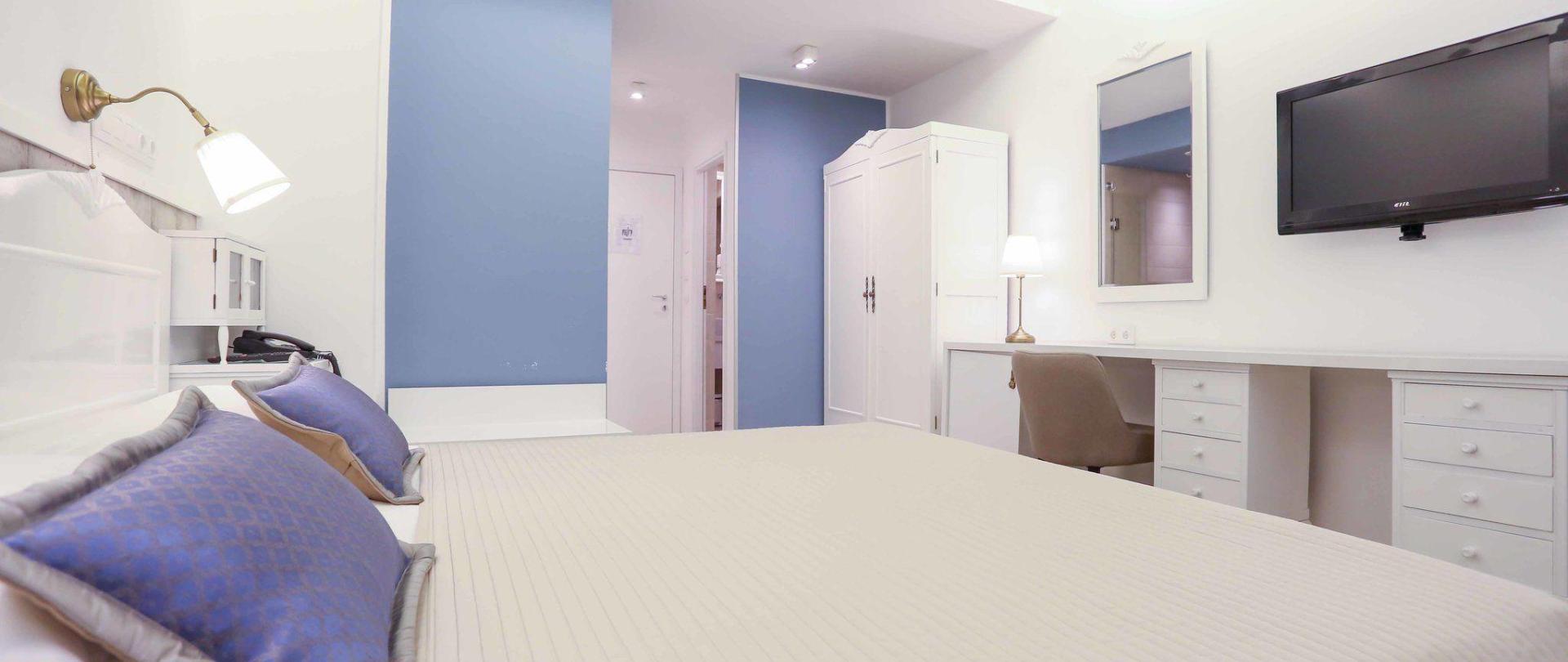 hotel-divan-by-dzenat-drekovic-29-08-2016-1.jpg
