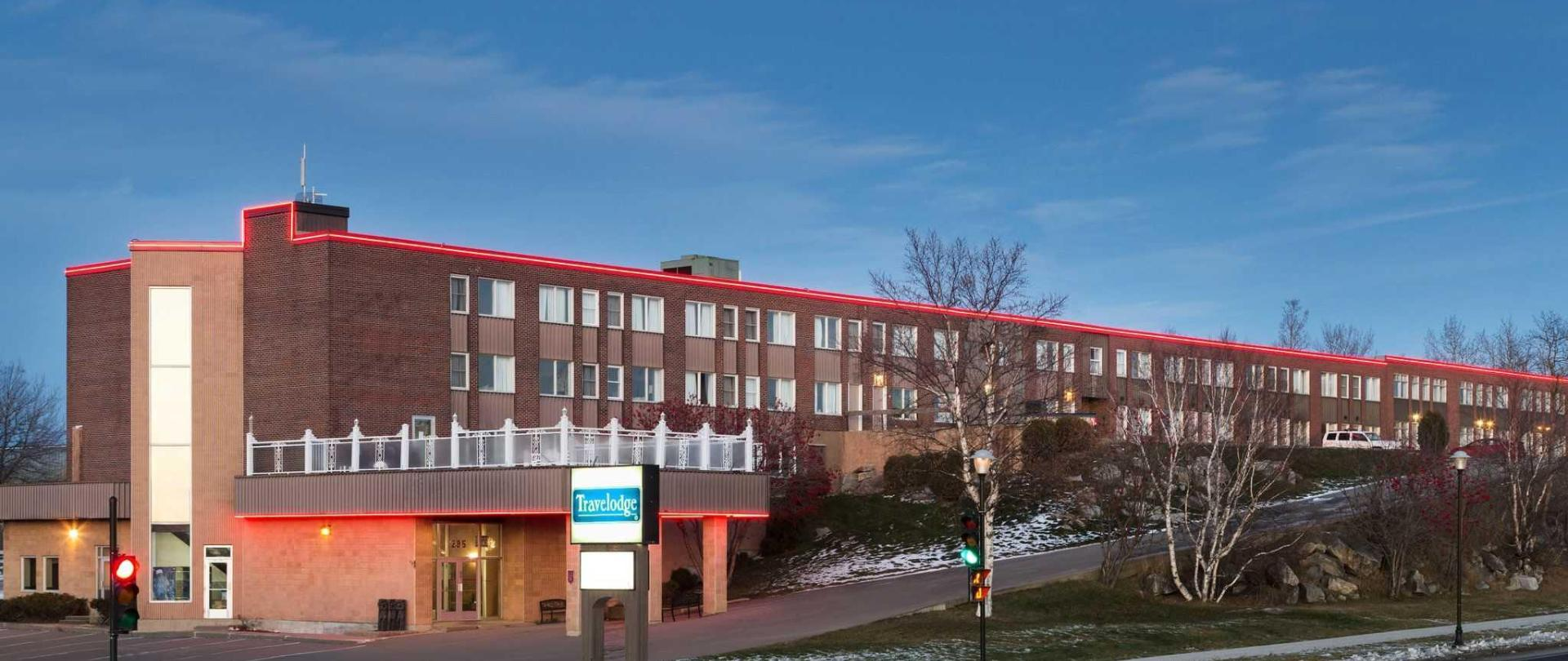 travelodge-baie-comeau-exterior-1242616-2.jpg