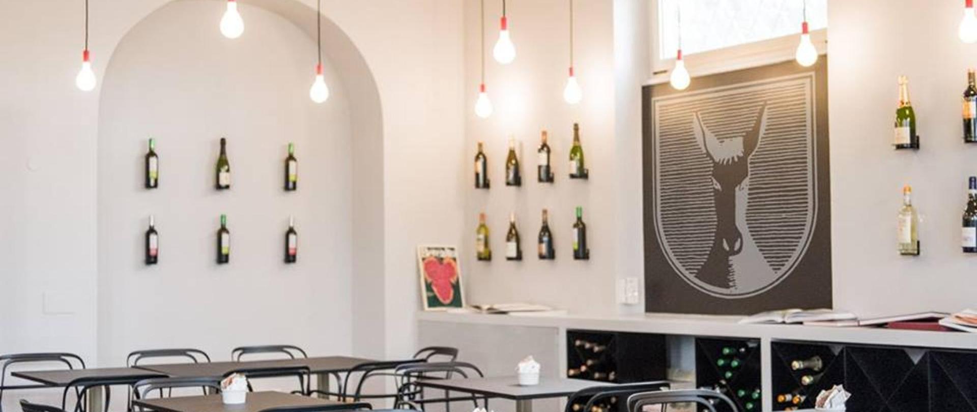 bar de vinos mus 2.jpg