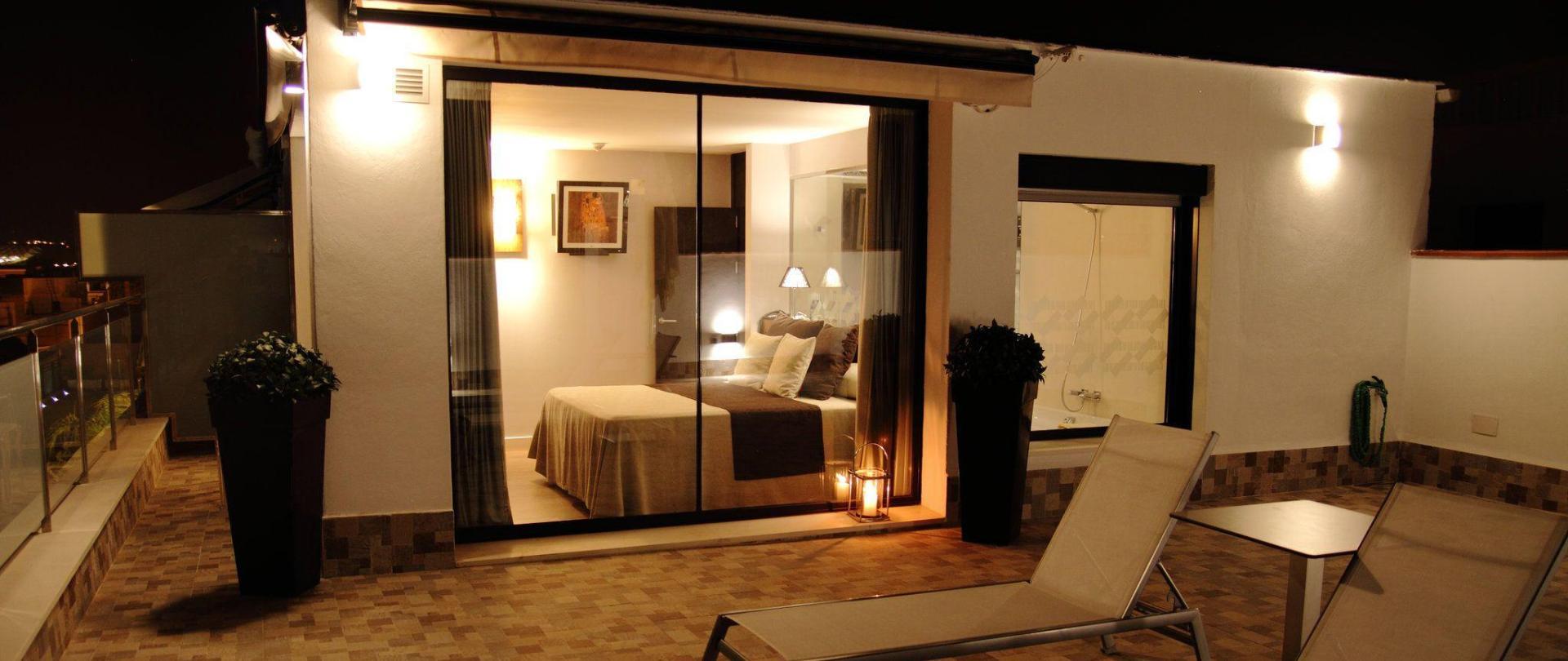 premium-de-luxe-don-paco-terraza.jpg