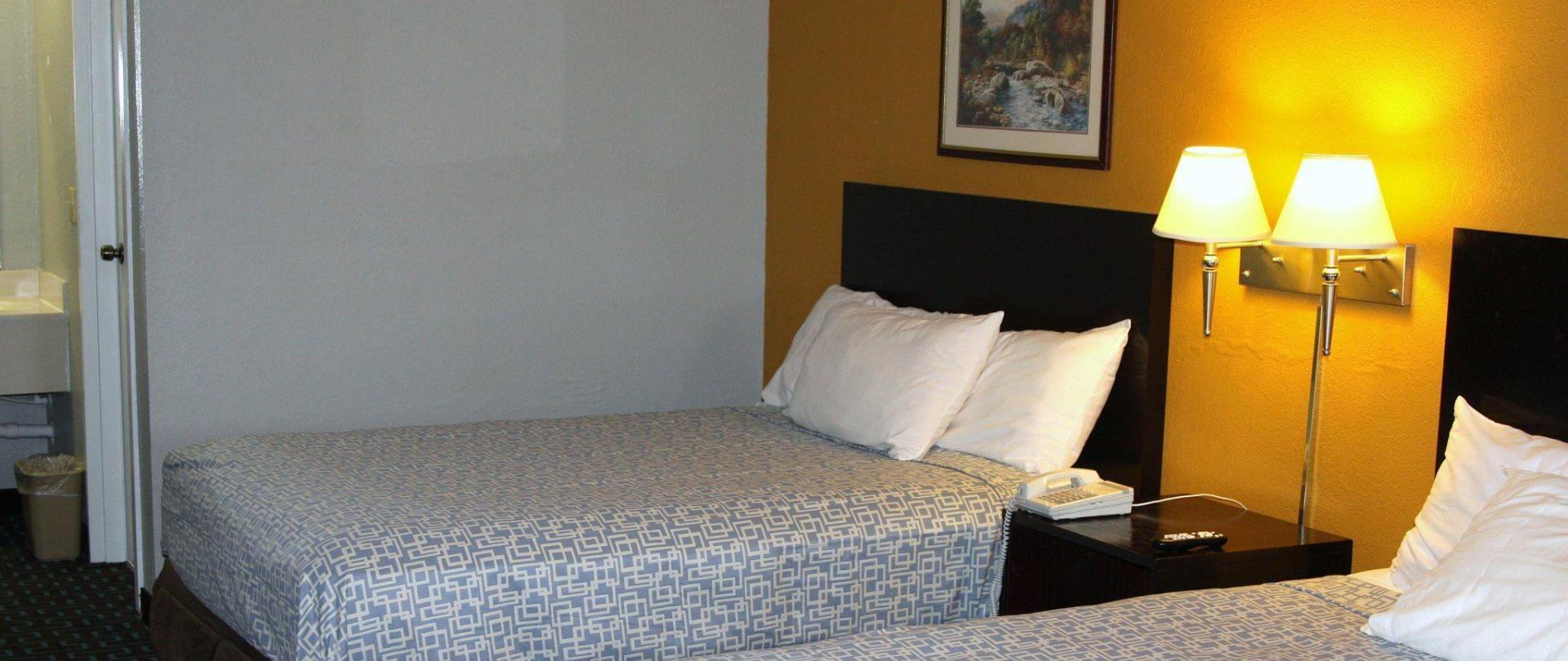queen-suite.JPG