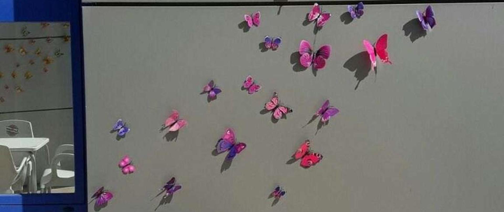 piscina-mariposas-rosas.jpg