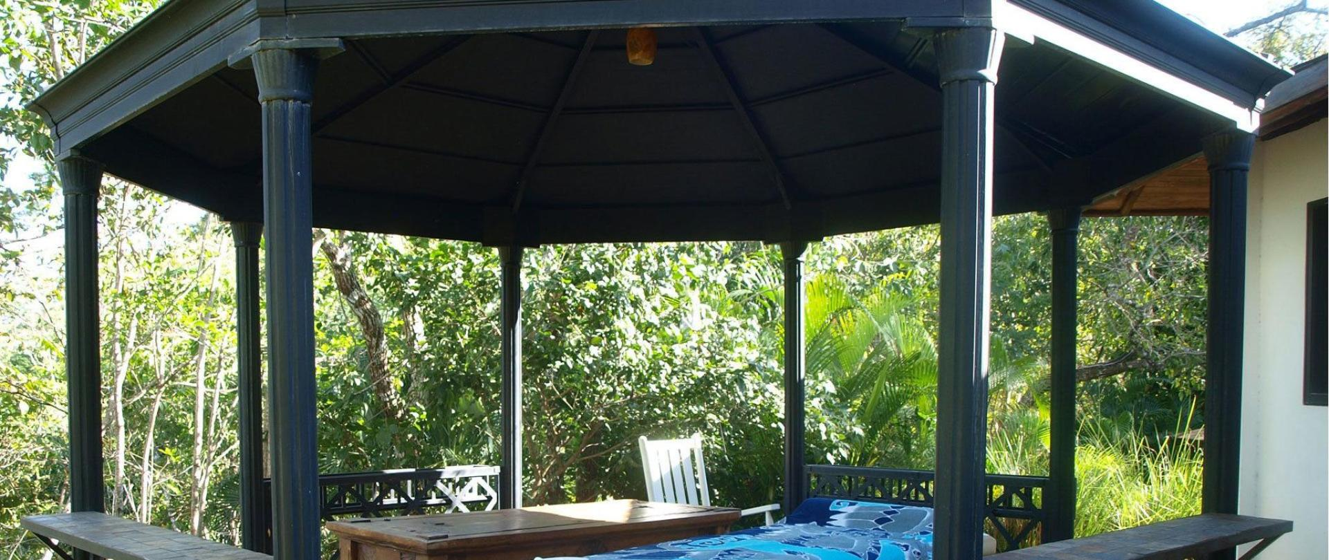 massage-gazebo-2.JPG