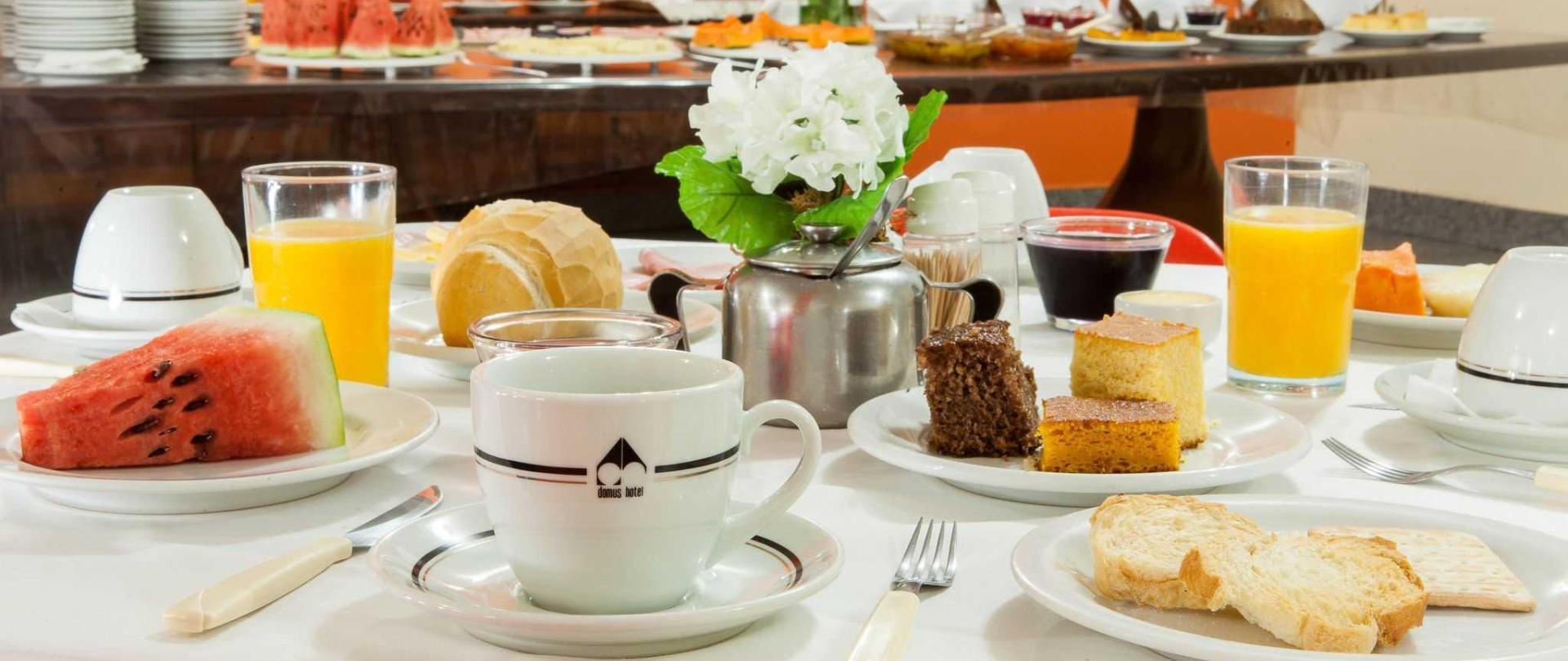 domus-hotel-buffet-caf-da-manh-centro-s-o-paulo-6.JPG
