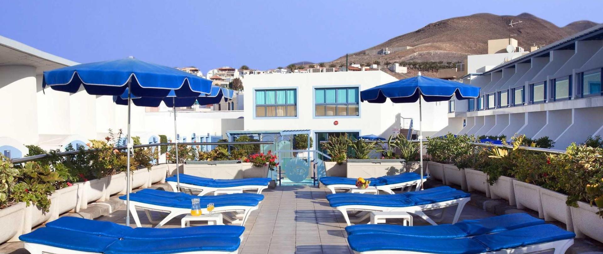 piscinas-y-solarium-6.jpg
