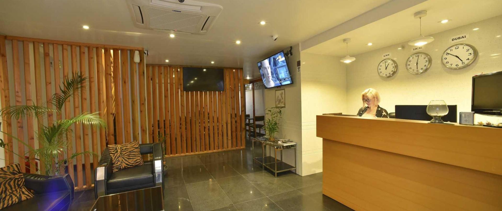 5-lobby.JPG