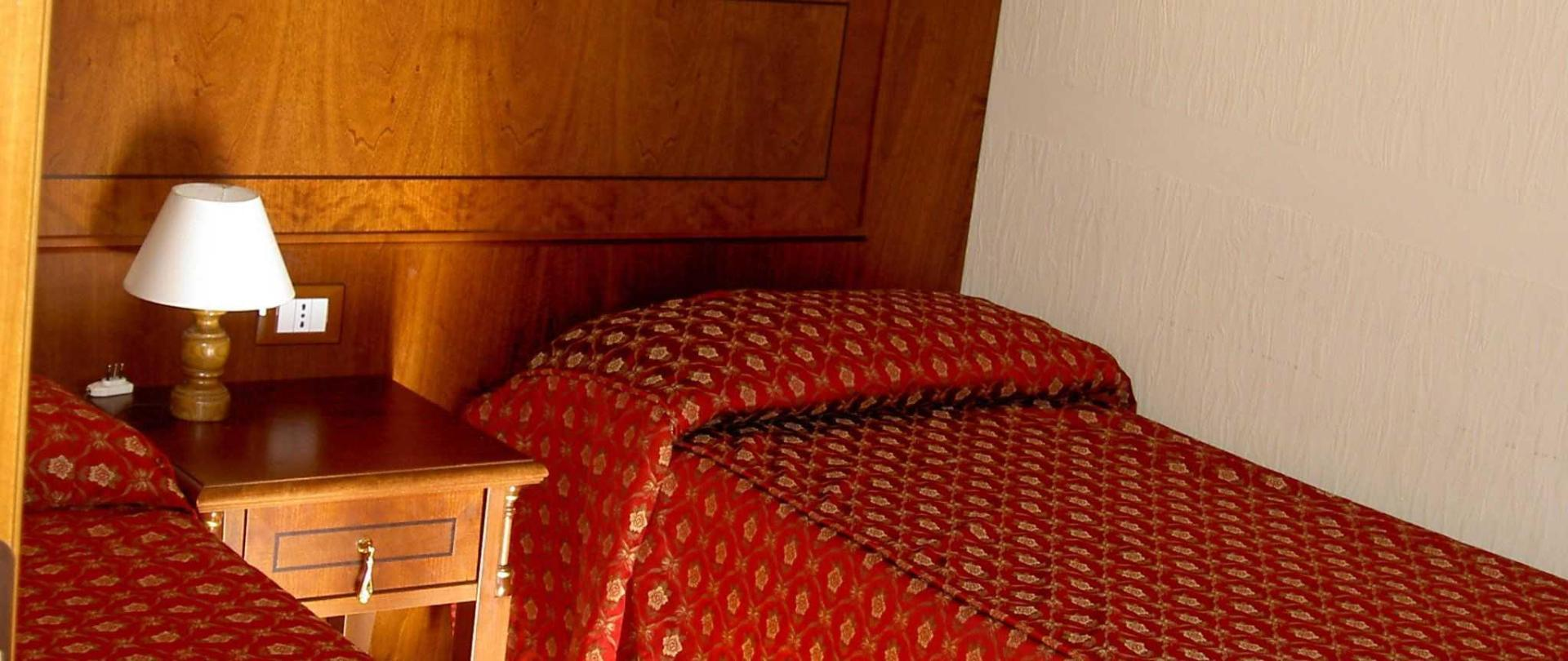 room-002-1.JPG