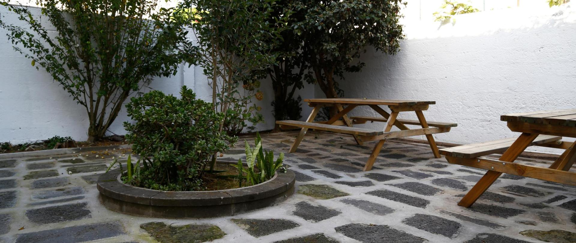Outdoor common area - City's Hostel Ponta Delgada (6) .jpg