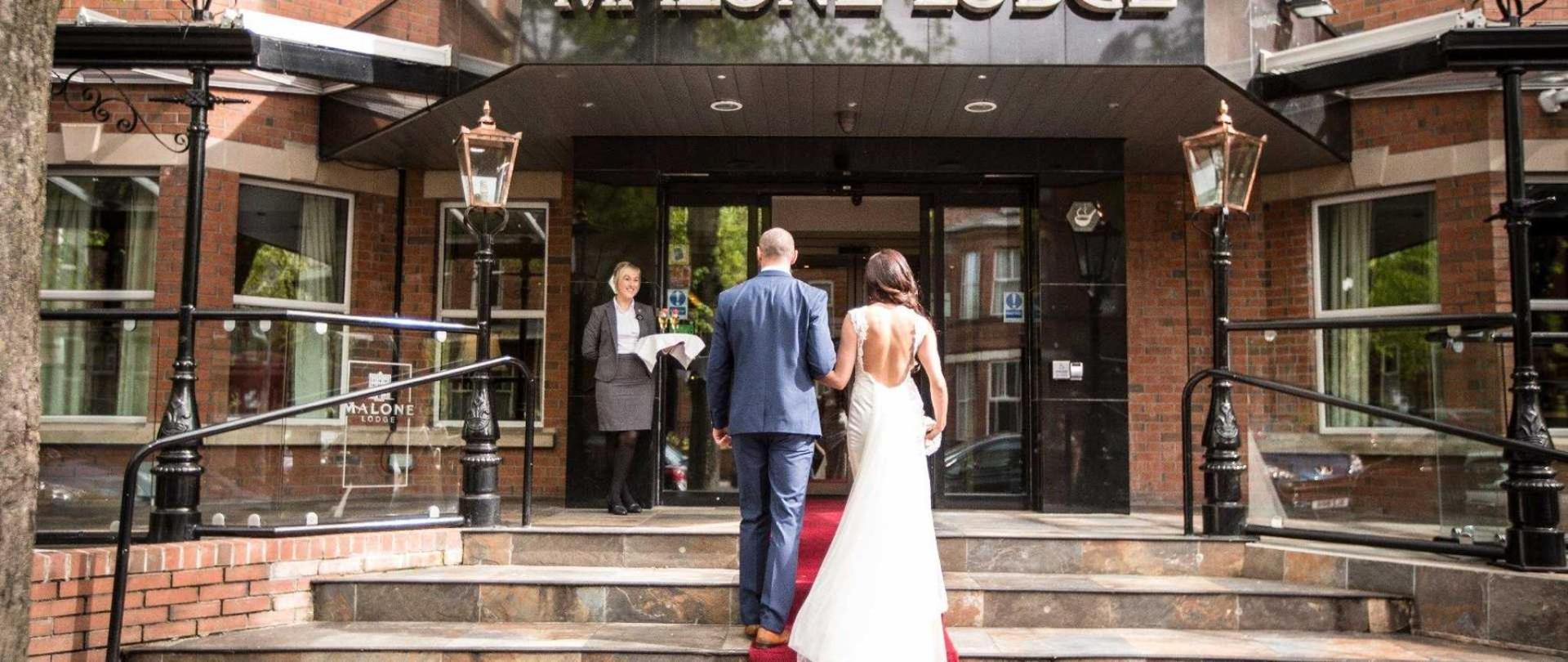 malone-lodge-hotel-belfast-weddings-08.jpg.1920x810_default.jpeg