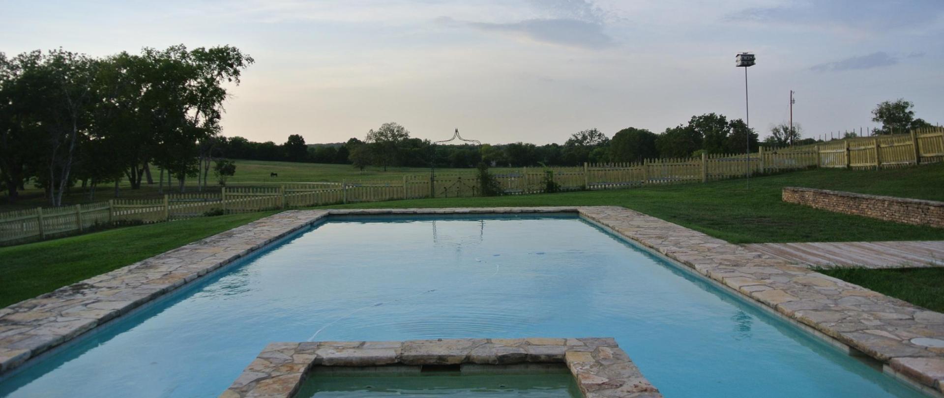 pool - to north.JPG
