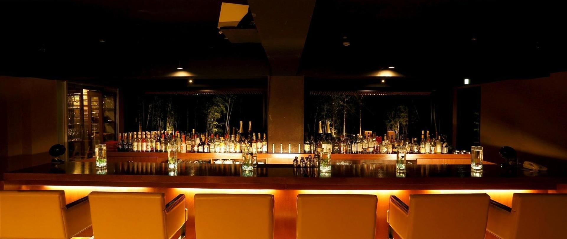 bar1-1.JPG
