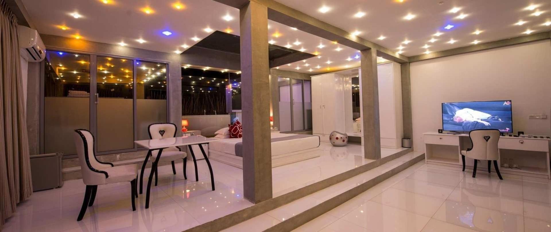 penthouse-1-jpg.jpeg