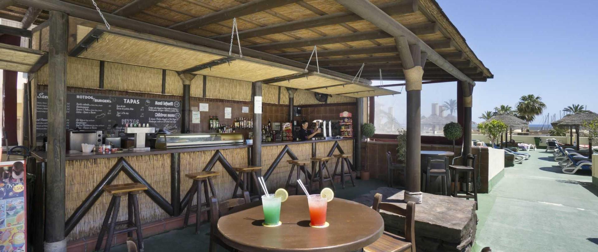 bar-piscina-1.jpg