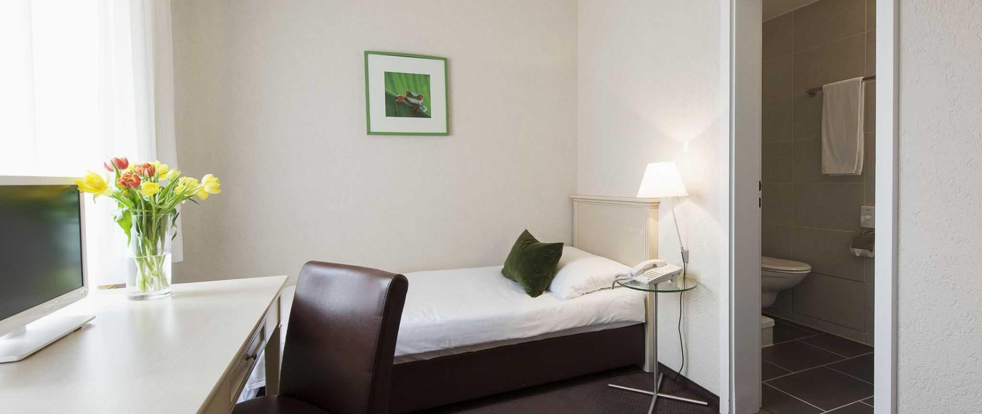 1504-hotel-neufeld-012.jpg