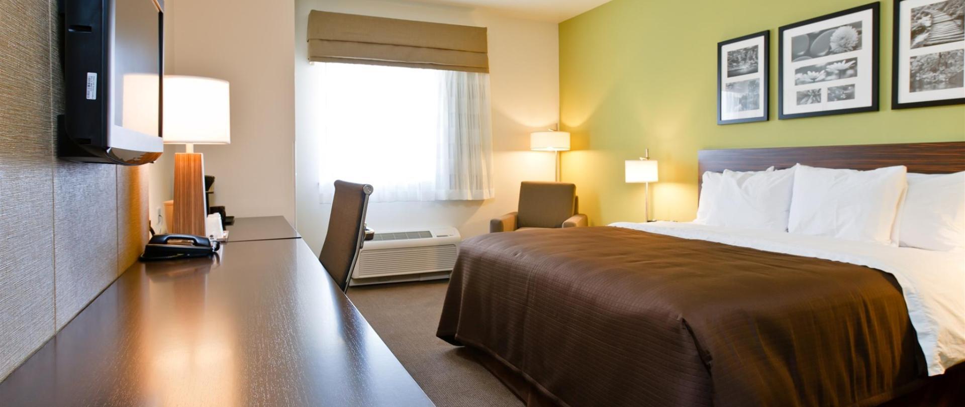 ks148-sleep-inn-king-room-1.jpg