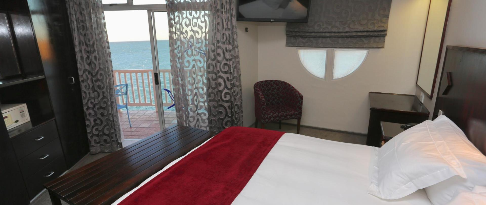 2018年豪華套房BEDROOM SEAVIEW.001.jpg