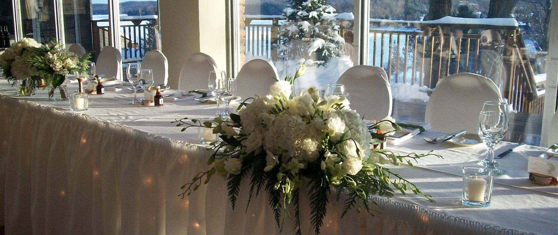 winterweddingheadtable.jpg