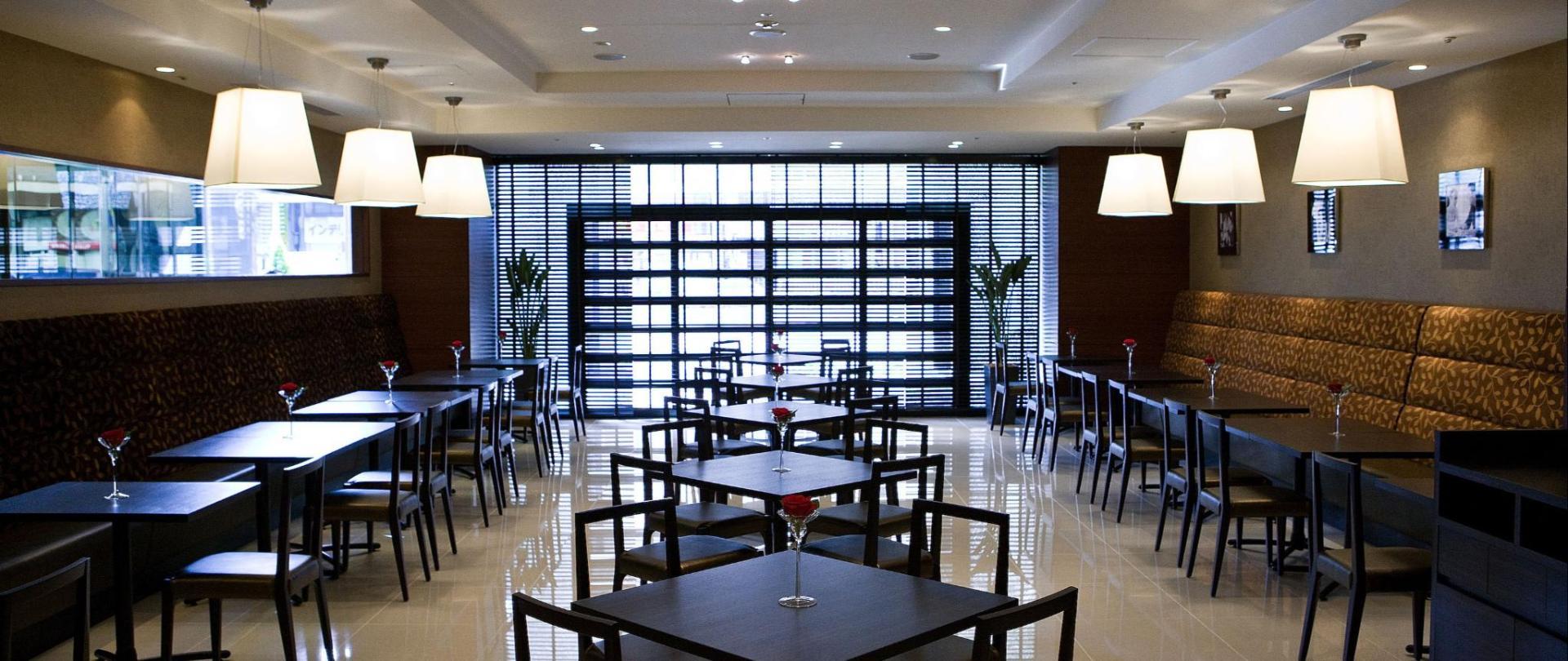 Cafe & Restaurant Oasis.jpg