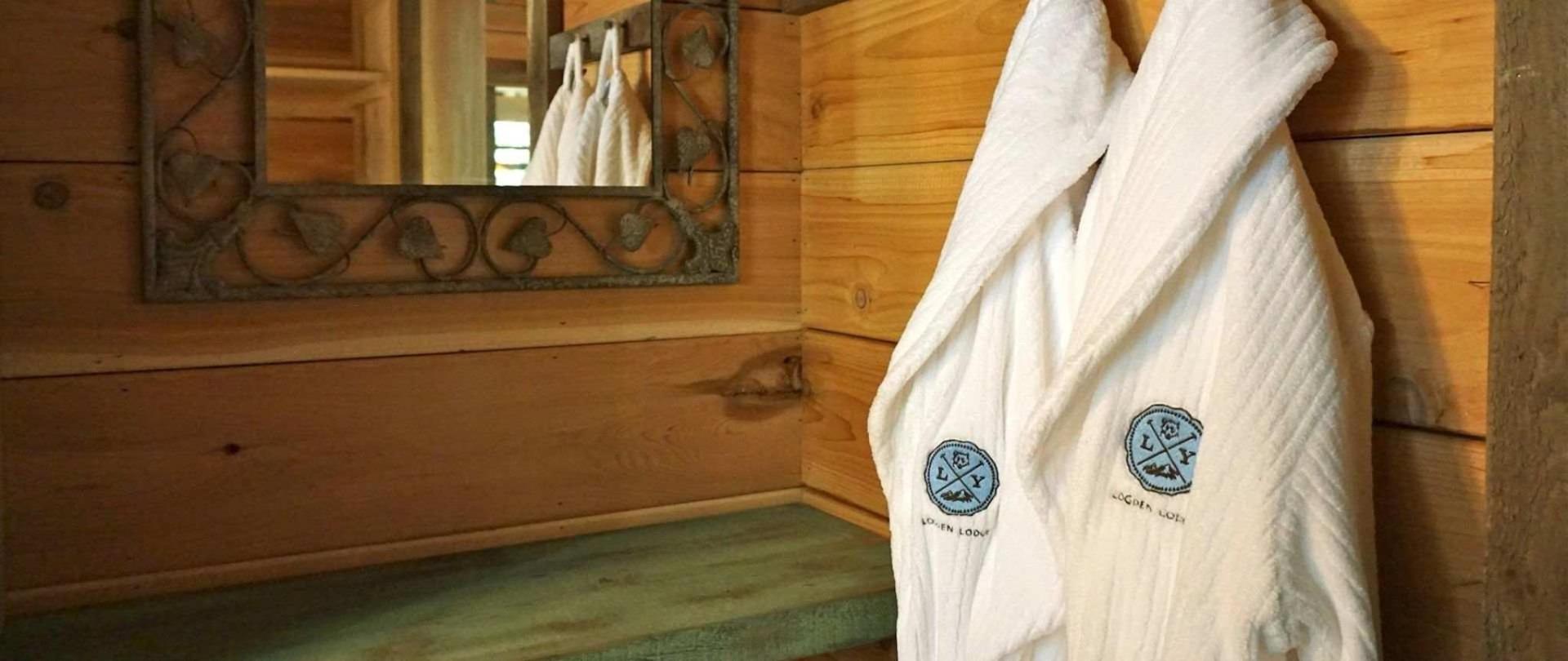 bedcloset-elise-bathrobes.JPG.1920x810_0_408_10000.jpeg