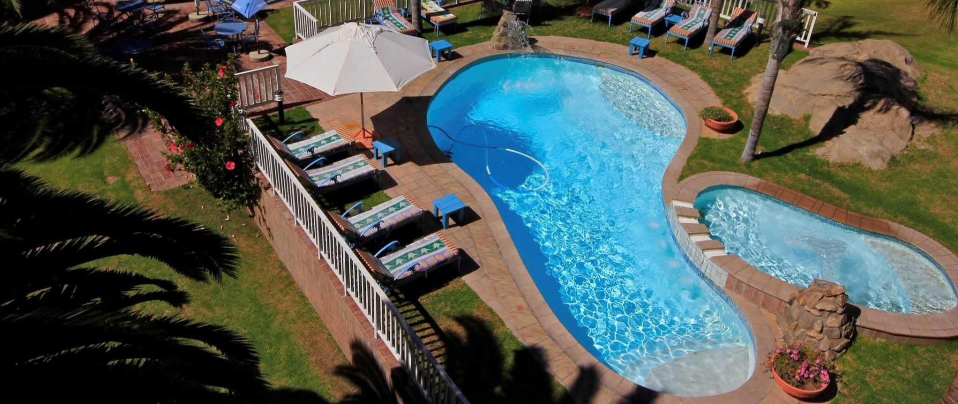 nest-hotel-pool-overhead-2016-2.jpg