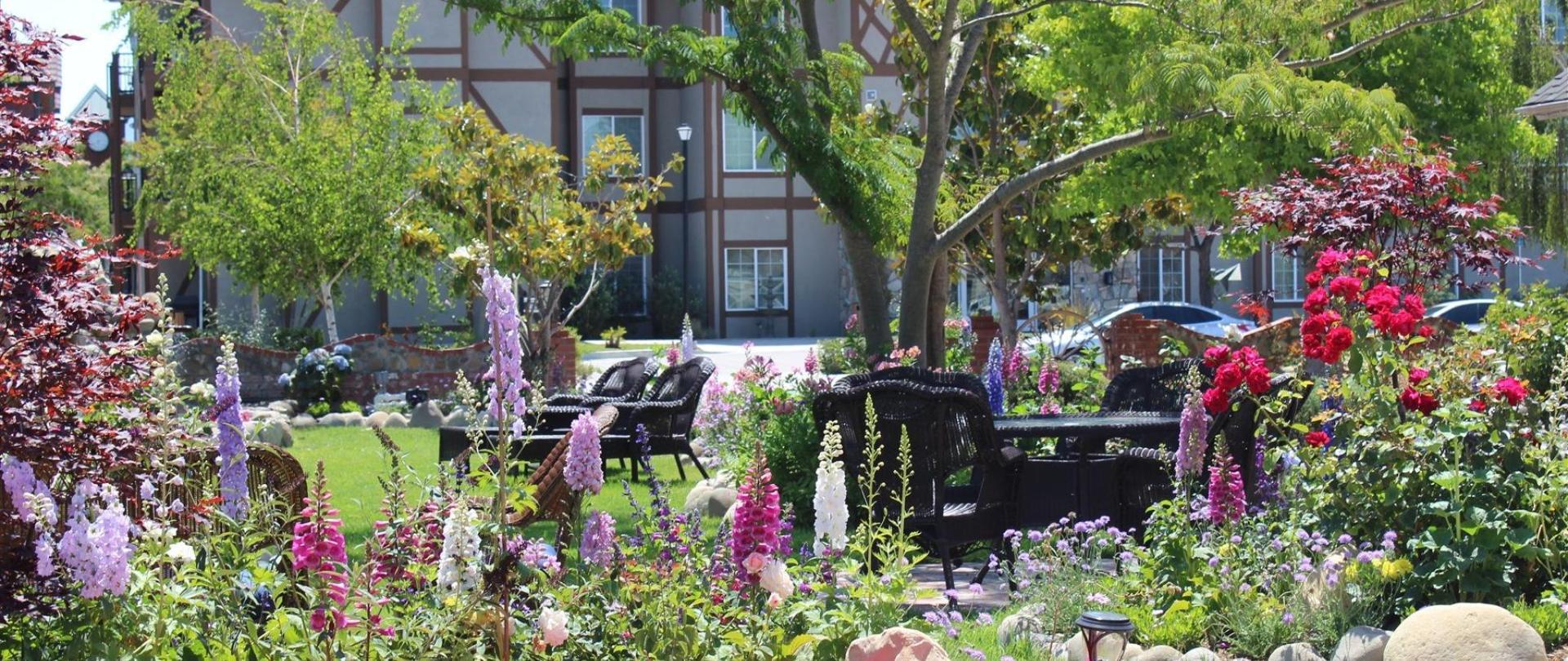 solvang-garden-10.JPG