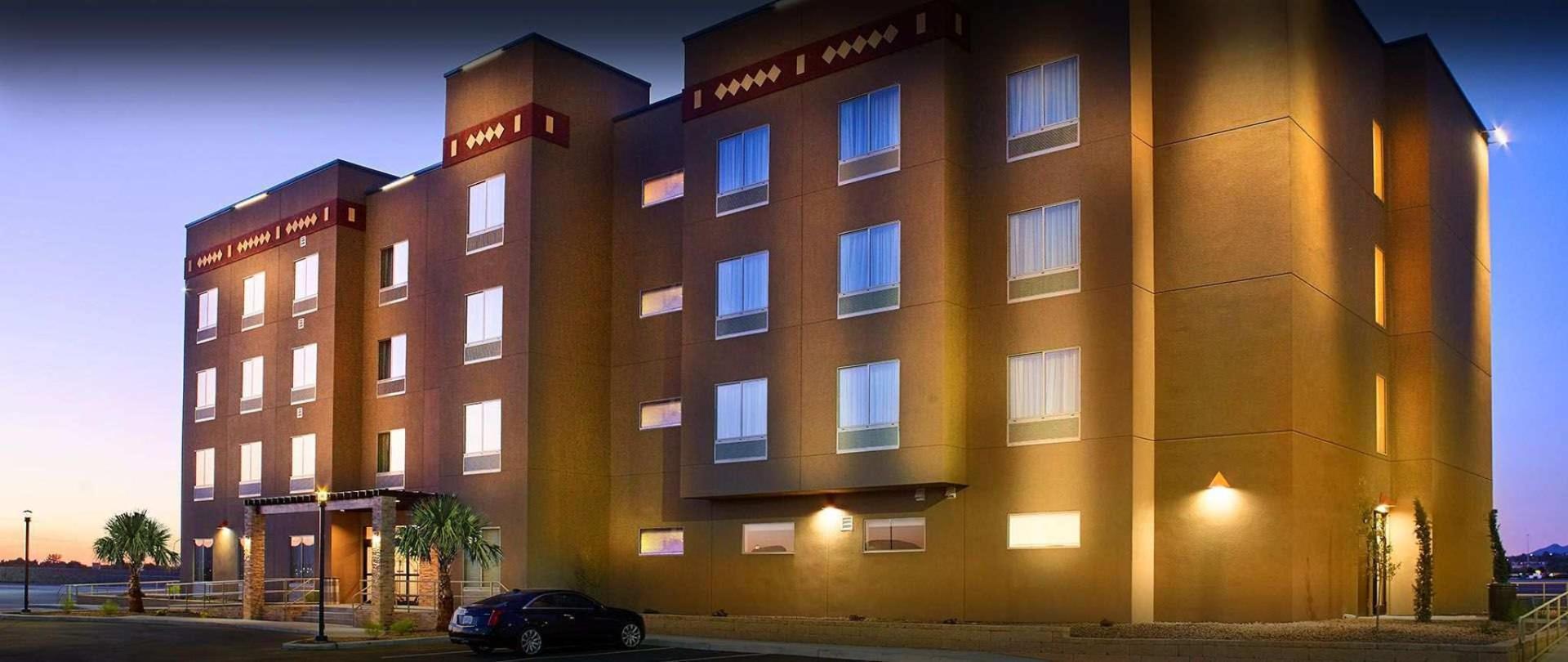 hotel-front-exterior-2.jpg.1920x810_default.jpeg.1920x0.jpeg