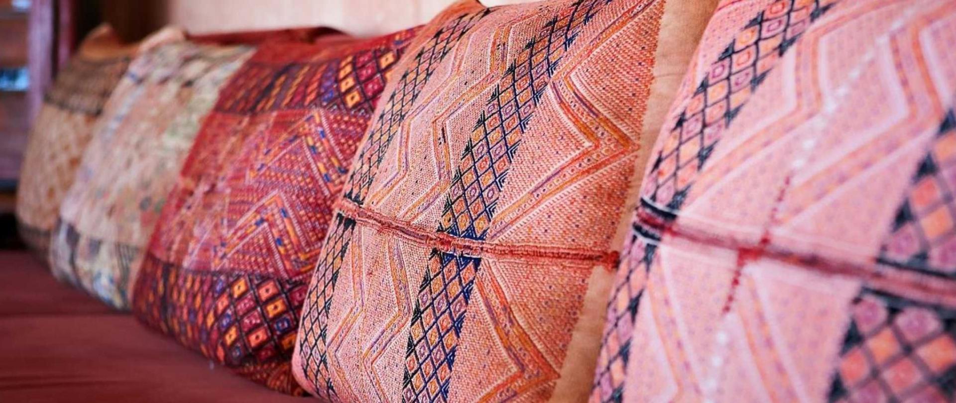 living-room-sofa-fabric-detail1.jpg.1920x807_default.jpg