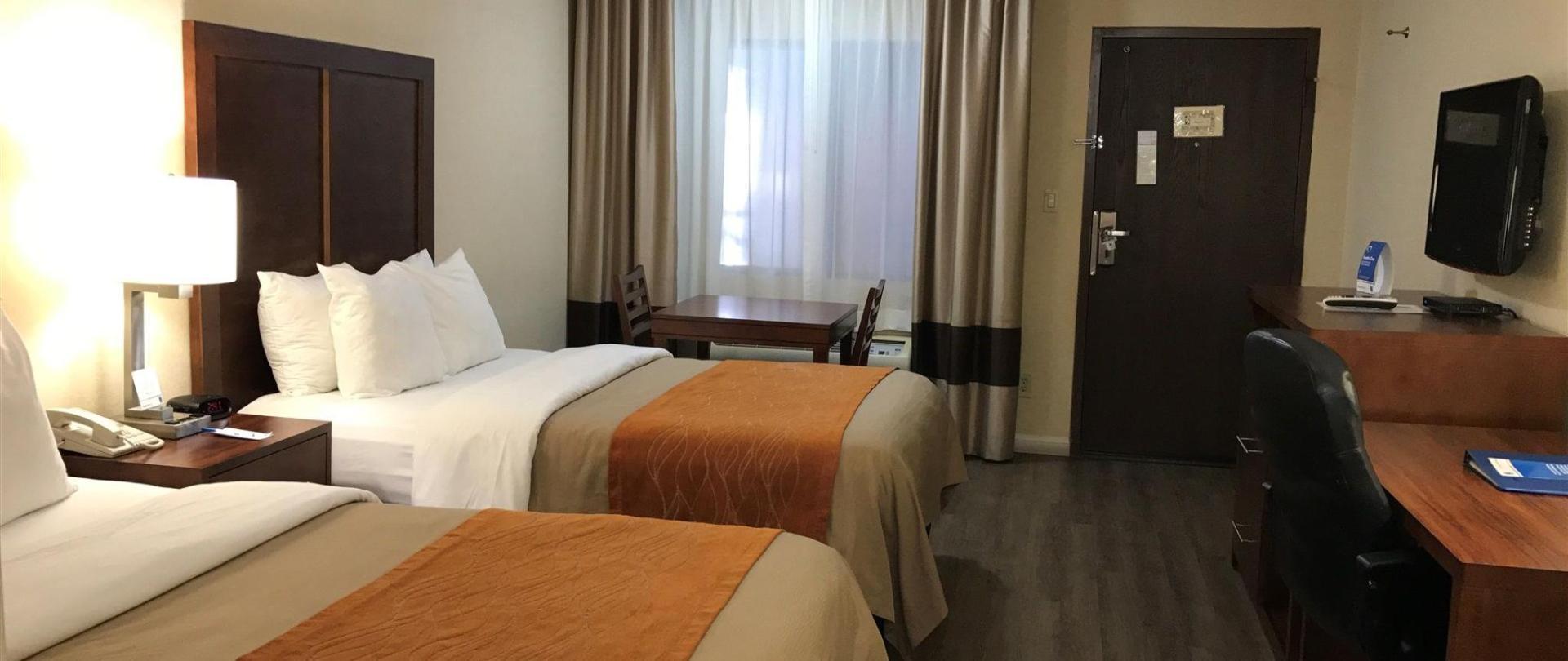 4. 2Double Beds, Non-Smoking (5).JPG