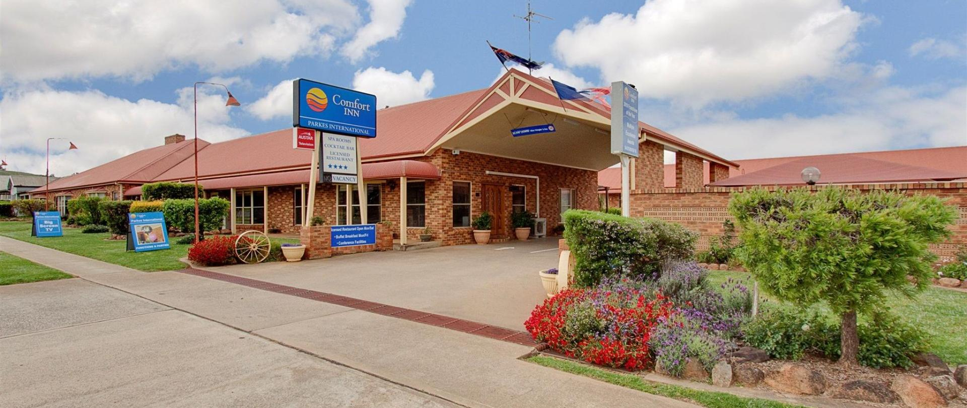 comfort-inn-parkes-international.jpg
