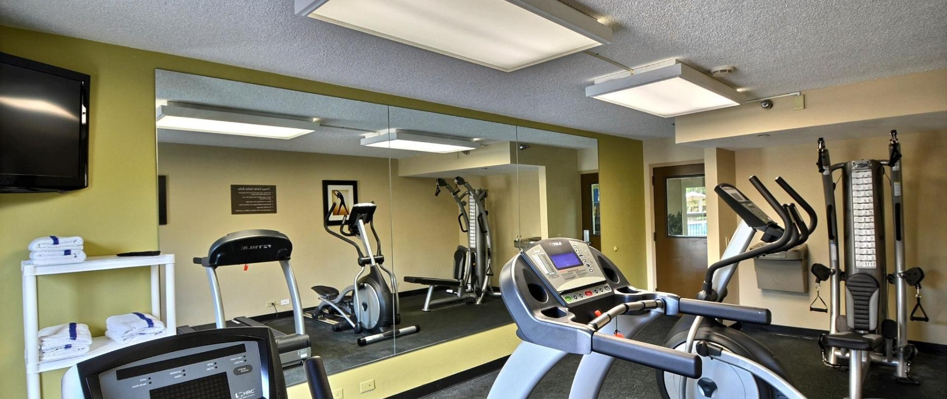 _FLC09_Fitness_Room3.jpg