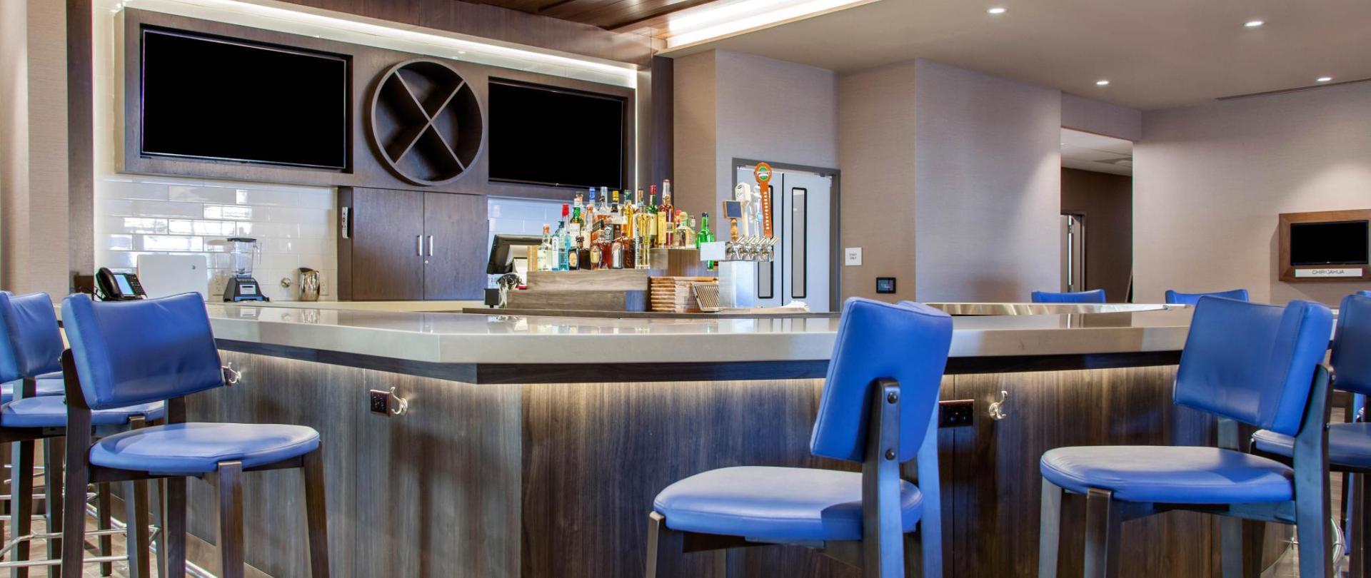 AZ379Restaurant01.jpg