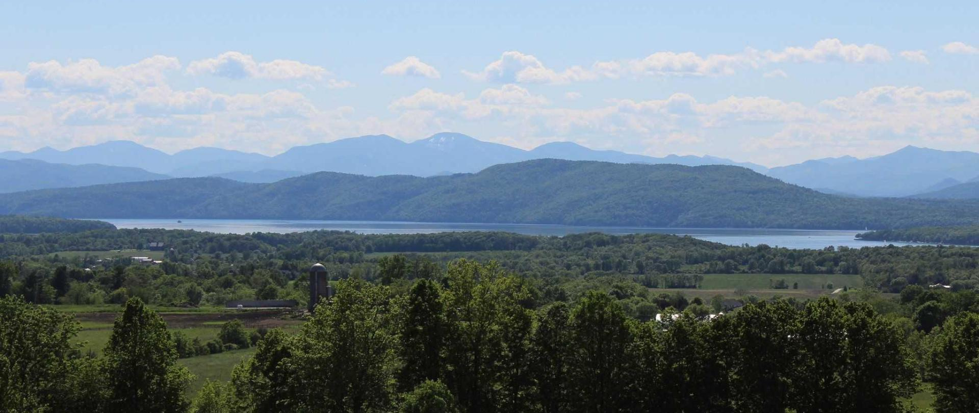 green-mountains-views-from-shelburne-area.JPG