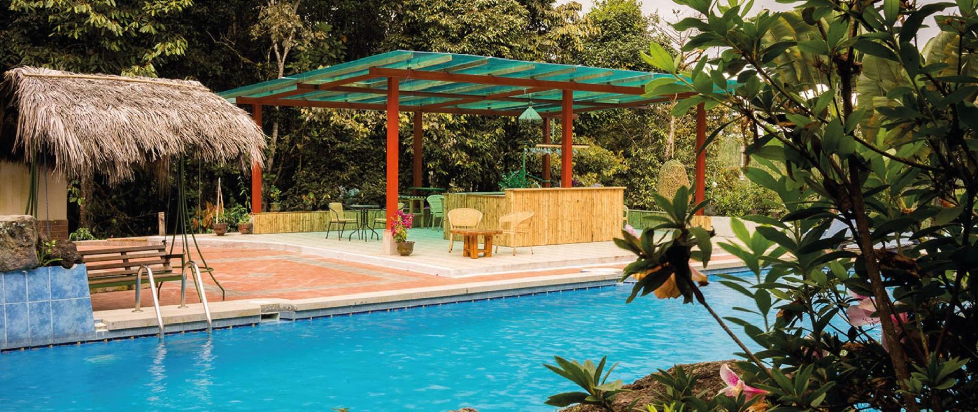 Yumbo-Spa-y-Resort-Hotel-en-Gualea-Pool.jpg