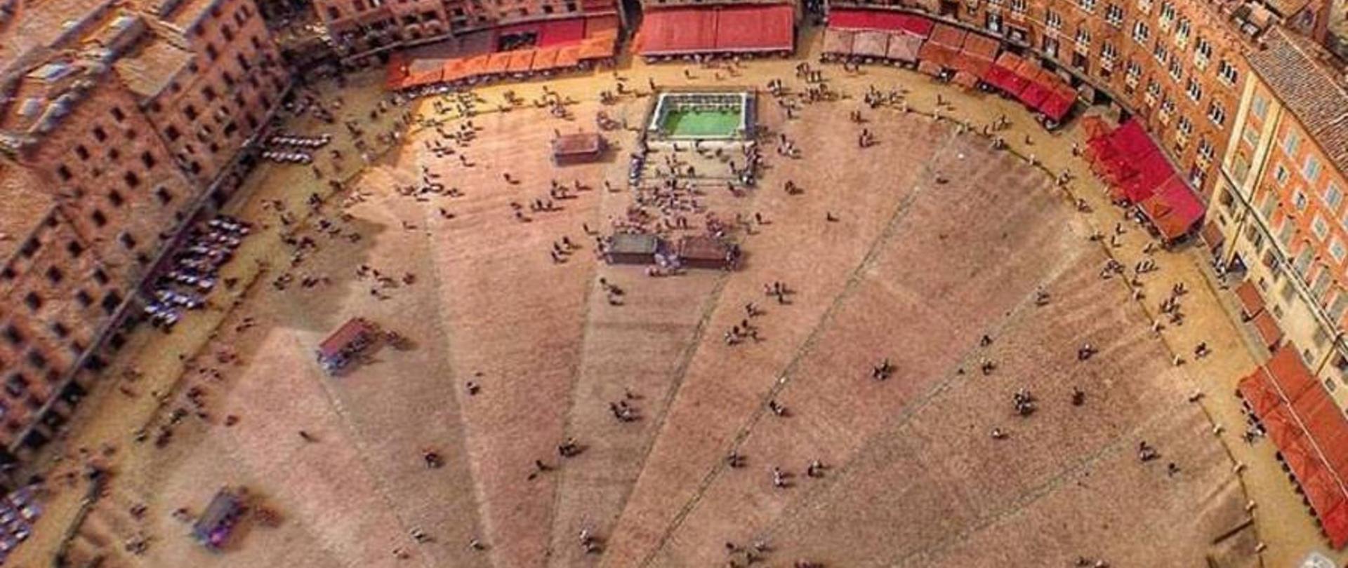 piazza del campo dall'alto.jpg