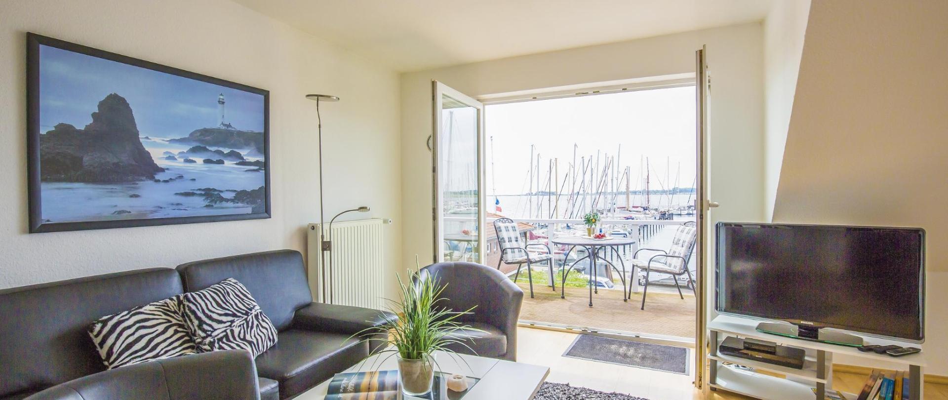 OG Wohnzimmer Balkon1.jpg