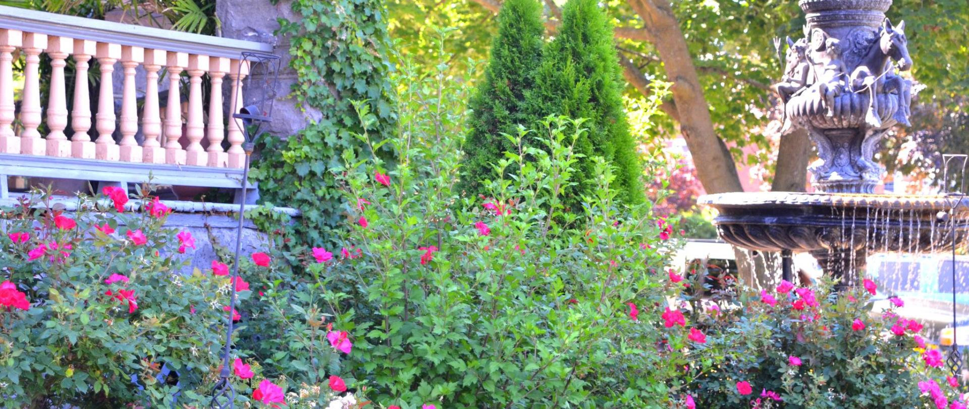 12 gardens43.jpg