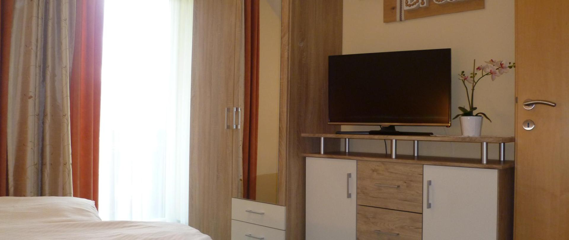 Fewo 5 Schlafzimmer 2.JPG