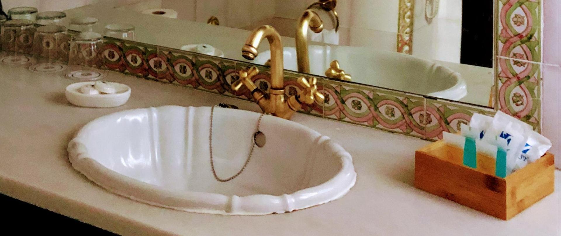 Baño Cuádruple.jpg