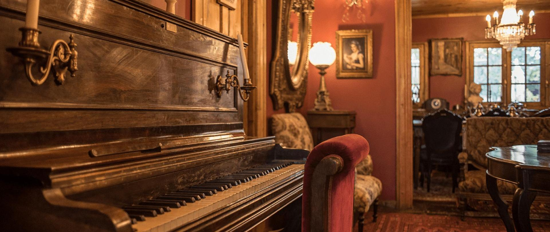 HOTEL BOUTIQUE VINTAGE SANTA CRUZ 06-min.png