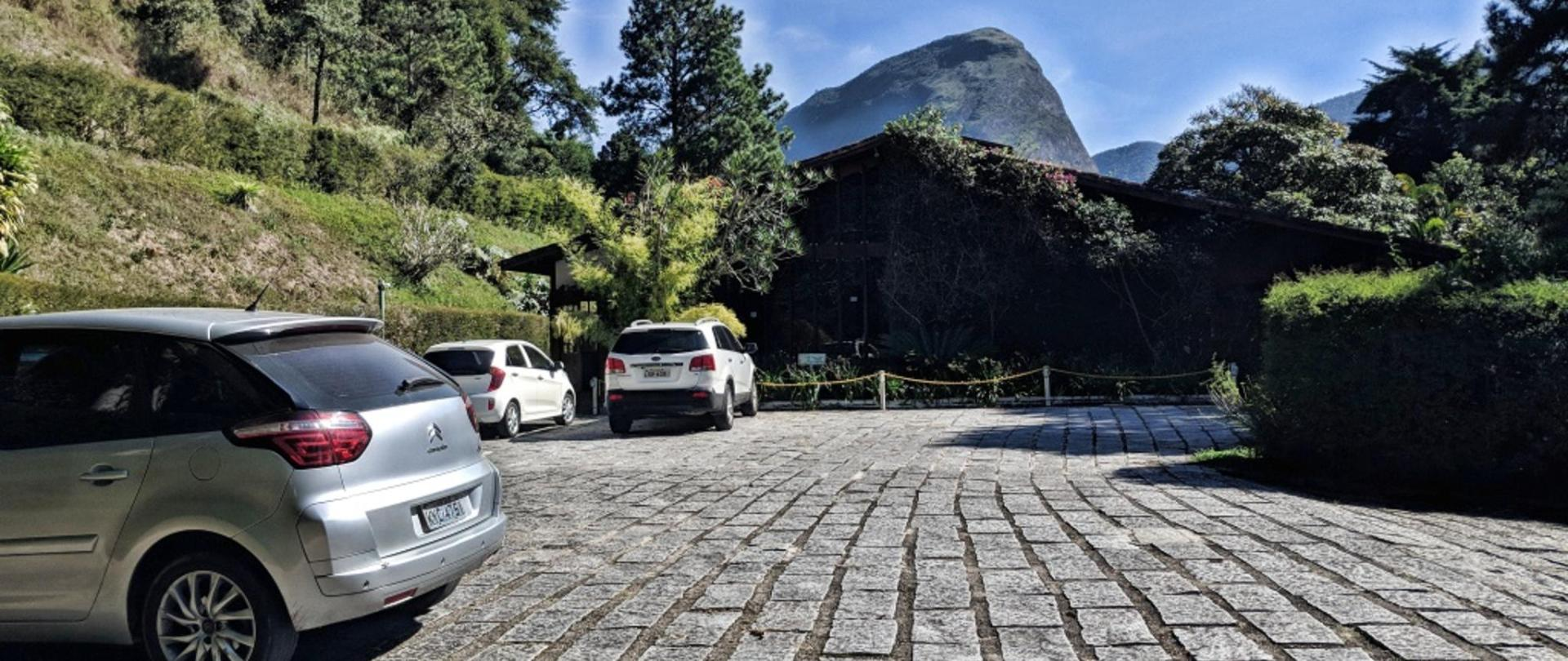 Estacionamento HDR.jpg