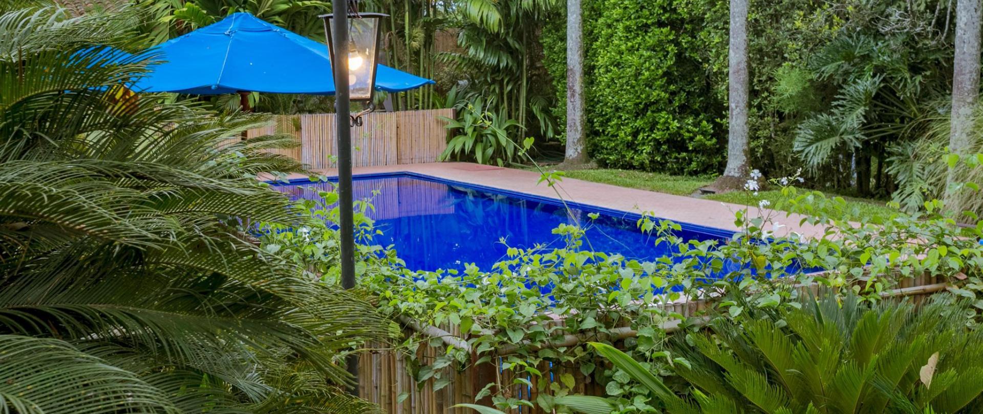 piscina-sazagua.jpg