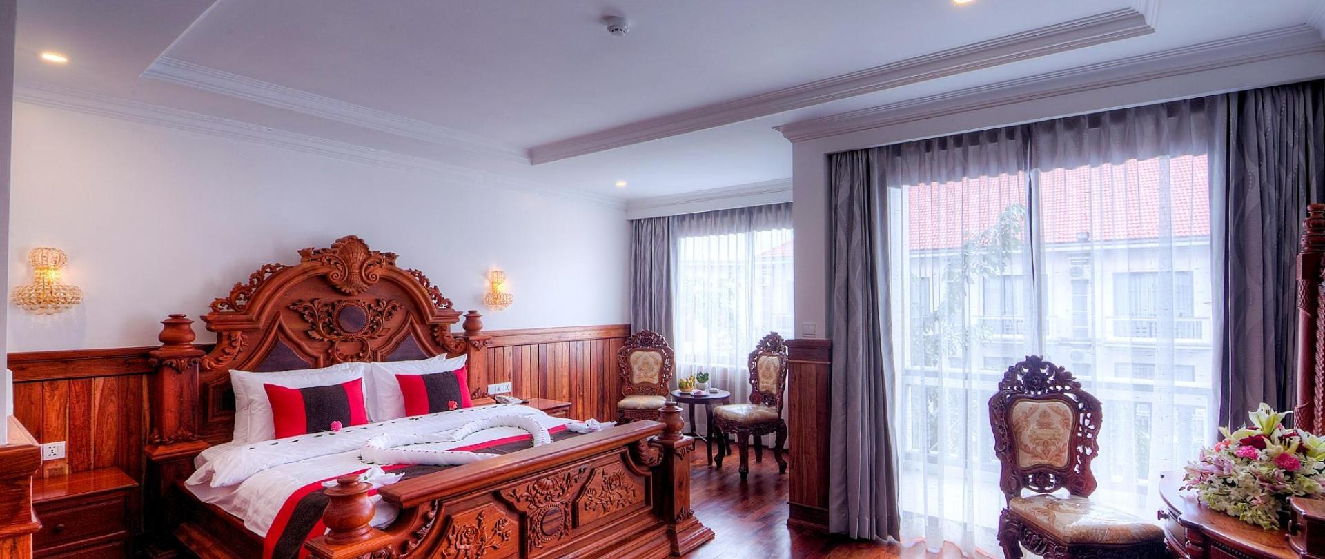 Ex-Suite Room  - Copy.jpg