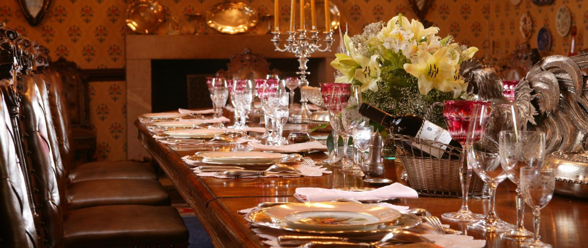 Dining Room 003.jpg