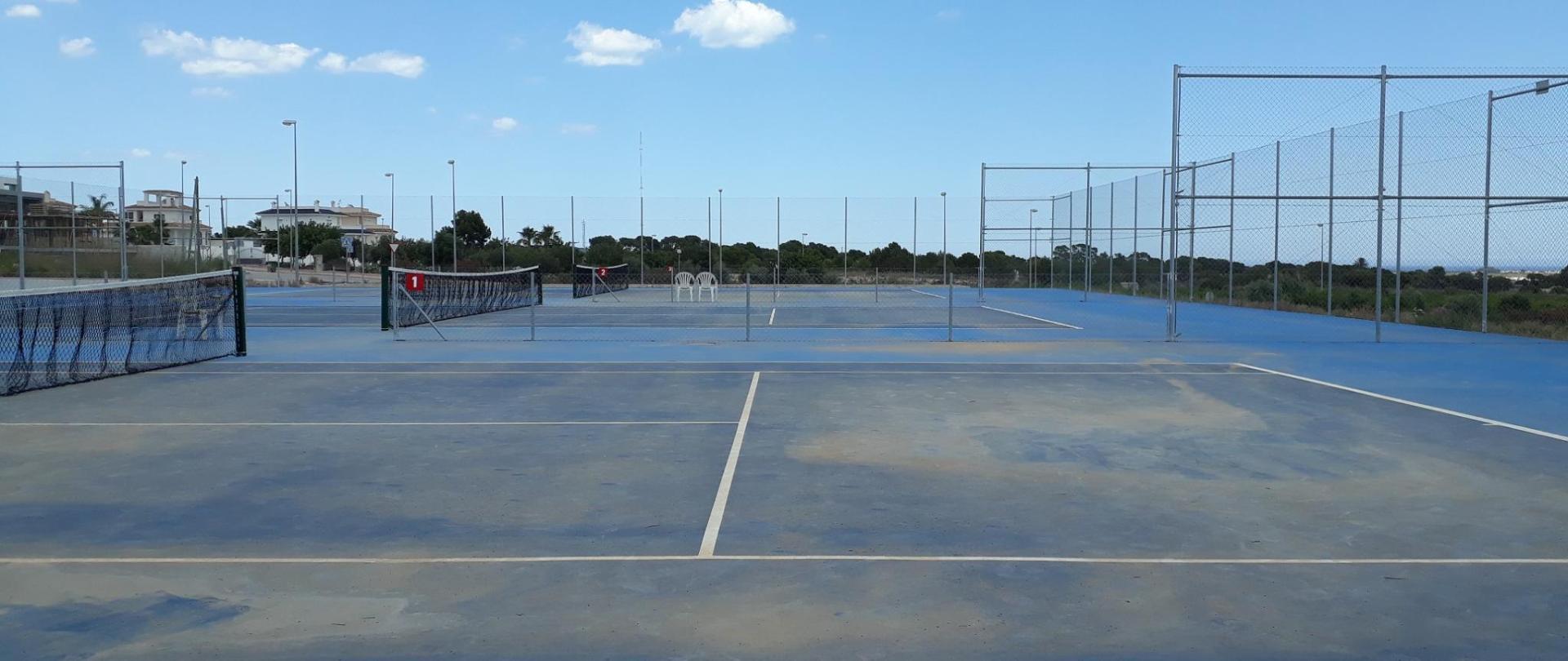 Tennis 2B.jpg