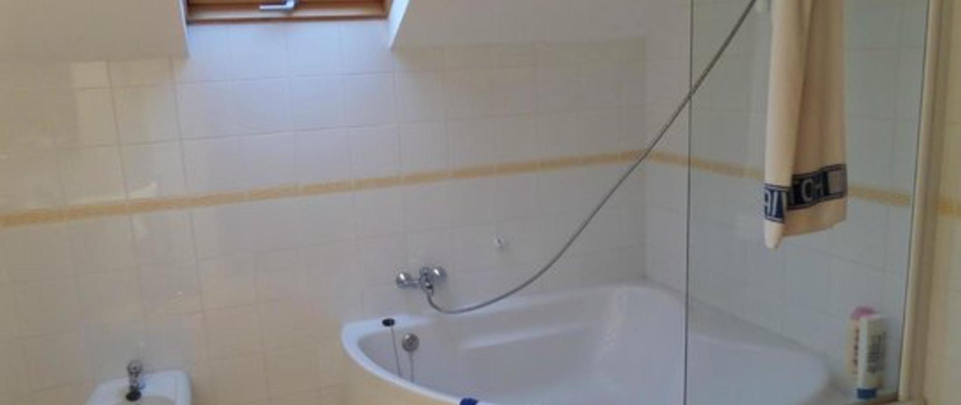 hotel-vialmar-meis-baño.jpg