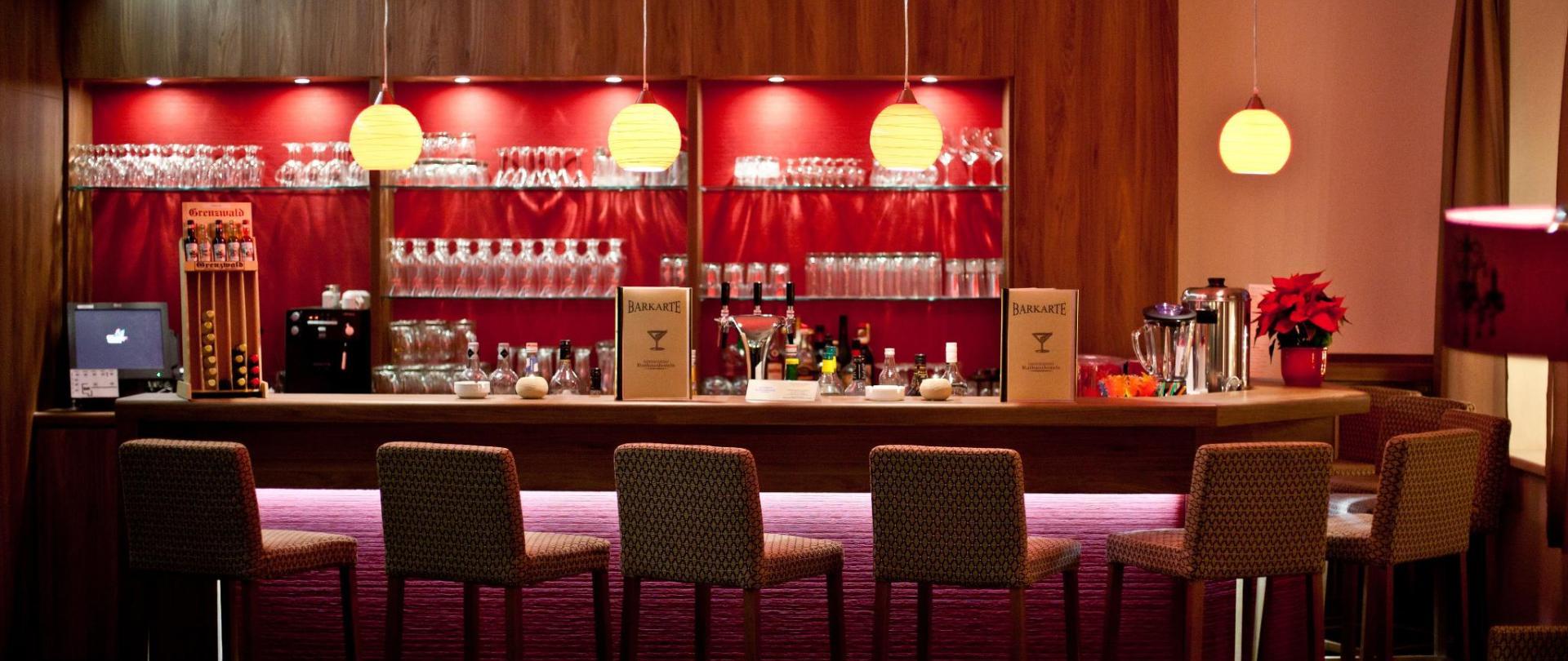 Rathaushotels-Hotelbar (1).jpg